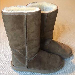 Plush Tan Slippers